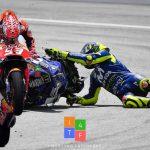 MotoGP | Valentino Rossi scivola e Marc Marquez vince e conquista il titolo costruttori per Honda