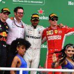 GP del Brasile | Vince Lewis Hamilton davanti a un Max Verstappen colpito in fase di doppiaggio